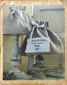 - Atelier Shabby Chic di Paola Tedeschi-  lampade di recupero-handmade-