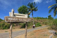 The road to Mawun Beach.  The gorgeous Mawun Beach is only around 20 minutes away from Kuta Beach by car. This small and ...