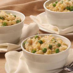 Sencillo Risotto con Chícharos y Queso Parmesano – Un cambio delicioso en el arroz que comes a diario.