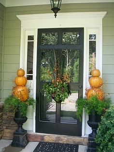 LOVE pumpkin topiaries!