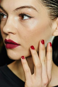 New Year's Eve 2016 Party Makeup Inspiration: Lipstick.com