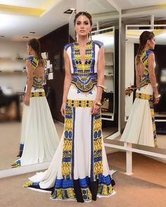 Last one (I promise) This year the @voguebrasil Carnival Gala's theme was Africa! #PopAfrica My look was inspired on the Dashiki - a traditional African garment! Thank you @trinitacouture for creating such a beautiful dress! (: @rodrigo.zorzi) ------- Prometo que é a última!!! Haha Amei muitoooo que o tema do #bailevogue2016 este ano foi #Africa! Amei ver a criatividade das pessoas e looks maravilhosos! Obrigada @danielafalcao1 @voguebrasil pelo convite!!! @aliceferrazpr @fhits