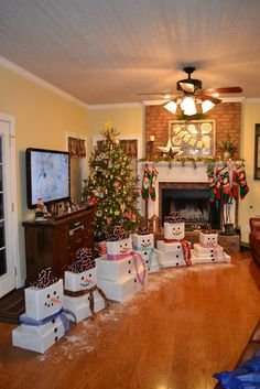 Simple and Easy Christmas Wrapping Ideas on a Budget : Grandchildrens snowman wrapped packages Noel Christmas, Homemade Christmas, Diy Christmas Gifts, Simple Christmas, Christmas Decorations, White Christmas, Christmas Present Themes, Room Decorations, Wrapping Ideas