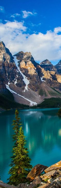 Moraine Lake in Banff National Park - Alberta Canada Places To Travel, Places To See, Travel Destinations, New Travel, Canada Travel, Places Around The World, Around The Worlds, Beautiful World, Beautiful Places