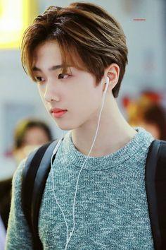 he looks so grown up 😭 Nct 127, Lucas Nct, Winwin, Taeyong, Jaehyun, K Pop, Park Ji-sung, Ntc Dream, Park Jisung Nct