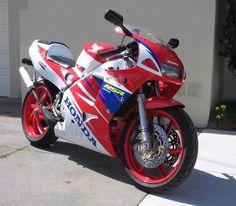 Nice looking Honda VFR bike. Honda Vfr, Super Bikes, Custom Bikes, Cool Bikes, Ducati, Motorbikes, Cars Motorcycles, Rockets, Vehicles