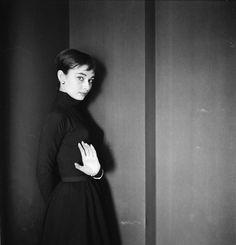 セシル・ビートンのファブリックなんてあるのですね。セシル・ビートンといえばフォトグラファーでありイラストレーターやバレエなどの舞台美術家そし...