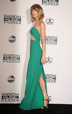 Taylor Swift - Simply Gorgeous @ the American Music Awards 2014