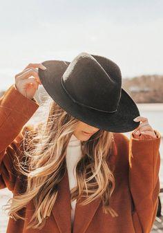Black Women Fashion, Look Fashion, Autumn Fashion, Womens Fashion, Cheap Fashion, High Fashion, Fashion Hats, Fashion Clothes, Fashion Rings
