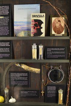 Näyttelyssä kerrotaan eri kulttuurien lepakkouskomuksista sekä modernin maailman kovin kaupallisista myyteistä. Luuppi, Oulu (Finland)