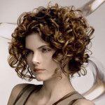 Coole Frisuren für lockiges Haar 1