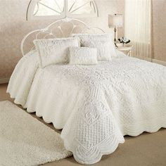 Whisper Soft Oversized Quilted Bedspread, dry clean only :(