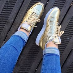 The Reebok Classic gets a gold shiny update   @carlasmiiile