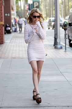 emma roberts, fitted dress