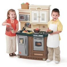Step2 Lifestyle New Traditions Kitchen | Toy Kitchens http://www.activitytoysdirect.com/step2/lifestyle-new-traditions-kitchen/p730