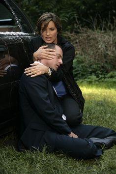 "Benson and Stabler (Mariska Hargitay and Christopher Meloni) in ""Blinded"" #lawandordersvu"