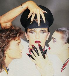 http://m.southwalesargus.co.uk/news/11792869.PICTURES__Steve_Strange___the_New_Romantic_pioneer_from_the_Valleys/