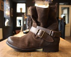 OVERIDER Boots Rock Style, Color Trends, Leather Bag, Knitwear, Clothes For Women, Boots, Fashion, Outerwear Women, Crotch Boots