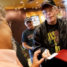 Eight phrases Stephen King thinks writers should never use