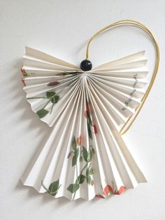 Christmas Is Coming, Christmas Diy, Christmas Wreaths, Christmas Decorations, Diy And Crafts, Crafts For Kids, Paper Crafts, Diy Angels, Winter Time