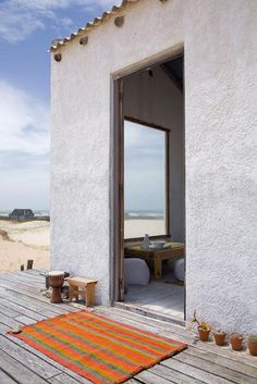 my scandinavian home: Beach retreat in Uruguay Tiny Beach House, Off Grid Tiny House, Surf Shack, Beach Shack, Cabana, Beach Cottage Style, Tiny House Design, Scandinavian Home, Beach Cottages
