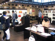 ポルシェ直営店 ポルシェデザイン販売コーナー  www.kobe-porsche.jp