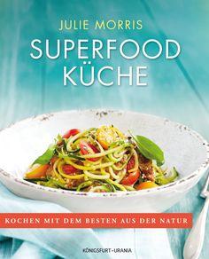 Was kann man eigentlich mit Superfood kochen? Welche Gerichte kann man zubereiten, die dazu super nahrhaft sind? US-Autorin Julie Morris weiss es. Und zeigt es uns mit 188 Rezepten, vegan & vegetarisch, natürlich lecker & gesund!