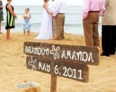 wooden sign wedding beach - Buscar con Google