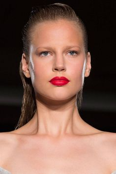 Faking a full night of sleep! Makeup trick t banishing those under eye bags!  #beauty  6 Best Hair and Makeup Tips from Spring 2015 - Backstage Beauty Spring 2015 - Harper's BAZAAR