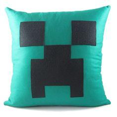ALMOFADA CREEPER Minecraft Crafts, Creeper Minecraft, Minecraft Bedroom, Mini Craft, Kawaii, Creepers, Plushies, Game Room, Pixel Art