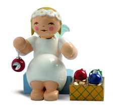 Marguerite Angel With Ornaments New