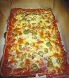 PIZZA CON PAN DE MOLDE Una sencillísima manera de hacer una pizza en un moment.-Atıştırmalık tarifler - Las recetas más prácticas y fáciles Pizza Recipes, Appetizer Recipes, Cooking Recipes, Tapas, Cheap Family Meals, Queso Cheese, Chapati, Empanadas, Kitchen Recipes
