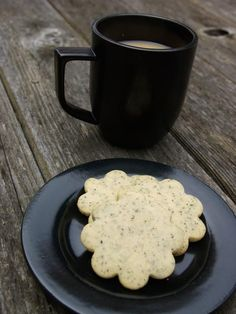 I think it's a Canadian drink, but a London Fog is a Earl Grey Tea Latte with Vanilla.  This is my cookie version of this warm, comforting drink.  It's a buttery, tender cookie that has the distinct and unique flavor of Earl Grey Tea infused in it.  The perfect partner for a warm cup of …