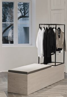 http://www.nordicleaves.com/2014/01/walk-in-closet.html
