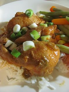 Slow-Cooked Peanut-Ginger Chicken http://tammyweightwatchers.blogspot.com/2012/01/slow-cooked-peanut-ginger-chicken.html