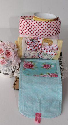 Saco caneca aberto  com tapete para caneca e embalagem, lindos!  Tem moldes das aplicações.
