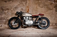 Chill factor - Suzuki GS550 Cafe Racer via returnofthecaferacers.com