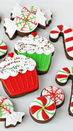 Peppermint Royal Icing Recipe ~ Peppermint extract adds a delicious twist to traditional royal icing... Plus a tutorial for decorating the cupcake and the candy cane designs