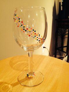 Wrap around dots wine glass