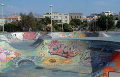 Marseille Skatepark (Bowl Marseille) - The 25 Best Skateparks in the World Murals Street Art, Academic Art, Call Art, Skate Park, Building Design, Bowls, Graffiti, Environment, Around The Worlds