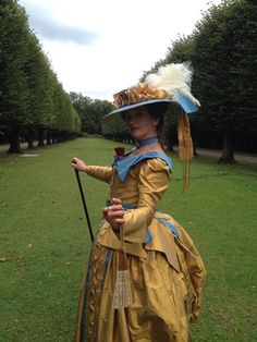 doris in blauw en goud 1790 frans kostuum