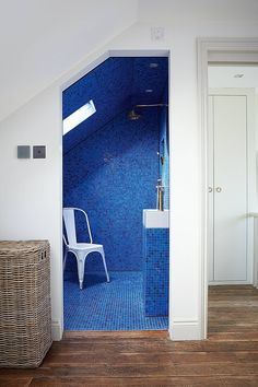 Electric Blue Wet Room in Modern Bathroom Ideas. Small wet room tiled in electric blue by designer Harriet Anstruther. Small Bathroom Layout, Small Bathroom Tiles, Loft Bathroom, Mosaic Bathroom, Simple Bathroom, Modern Bathroom Design, Bathroom Ideas, Bathroom Designs, Bathroom Carpet