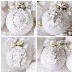 """Набор новогодних шаров """"Белый"""" В набор входит: -6 пластиковых шаров размером 8см -коробка в которой хранятся шары. ________________________ Возможен повтор #аксессуары #шары #новогодниешары #елочныешары #елочныеукрашения #елочныеигрушки #новогодниеукрашения #ручнаяработа #хобби #хендмейд #шебби #шеббишик #скрап #скрапбукинг #декупаж #декор #новыйгод #handmade #shabby"""