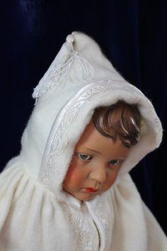 Superbe Burnous Ancien 1930 Pour Poupee Baigneur Celluloïd Claudinet Snf Convert FOR SALE • EUR 28,50 • See Photos! Money Back Guarantee. Magnifique burnous ancien (années 30) en très bon état (voir photos) burnous en laine véritable, bordé de satin de soie brodécapuche doublée de satin couleur écrue (doublure en parfait état) 382055856974