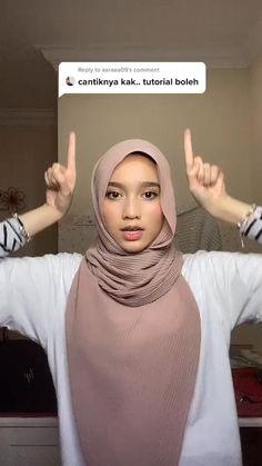 Modern Hijab Fashion, Street Hijab Fashion, Hijab Fashion Inspiration, Muslim Fashion, Simple Hijab Tutorial, Hijab Style Tutorial, Turkish Hijab Tutorial, Hijab Turban Style, Mode Turban