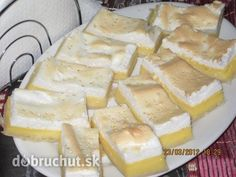 Rychlý tvarohový koláč Czech Recipes, Russian Recipes, Eastern European Recipes, Dessert Recipes, Desserts, Camembert Cheese, Cheesecake, Food And Drink, Cooking Recipes