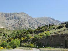 #magiaswiat #delfy #podróż #zwiedzanie #grecja #blog #europa  #obrazy #figury #twierdza #kosciol #morze #miasto #zabytki #muzeum #teatr #wyrocznia #marmari Grand Canyon, Mountains, Nature, Blog, Travel, Europe, Naturaleza, Viajes, Blogging