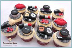 Mac make up cupcakes Fondant Cupcakes, Fun Cupcakes, Cupcake Cookies, Cupcake Toppers, Girly Cakes, Fancy Cakes, Mini Cakes, Iftar, Pretty Cakes
