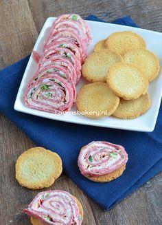 Cervelaat roomkaas spiralen - Laura's Bakery