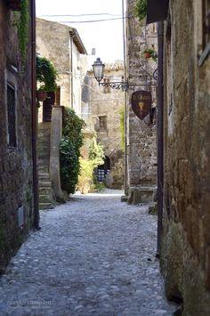 To the restaurant - Calcata, Italy